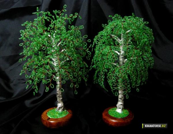 Деревья из бисера всегда привлекают к себе особое.